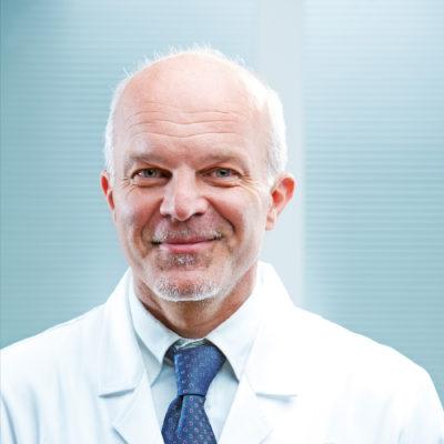Dr. Nombre 3